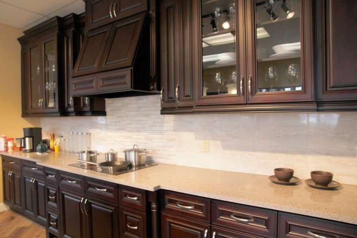Classic Cherry Raised-Up Kitchen Cabinet - Montreal
