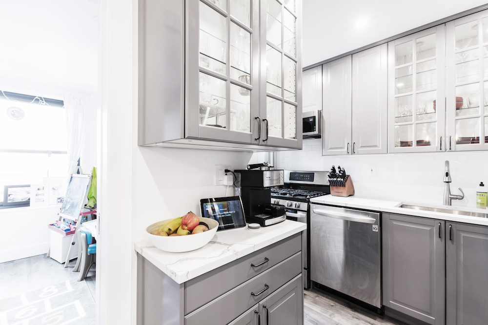 grey-contemporary-kitchens