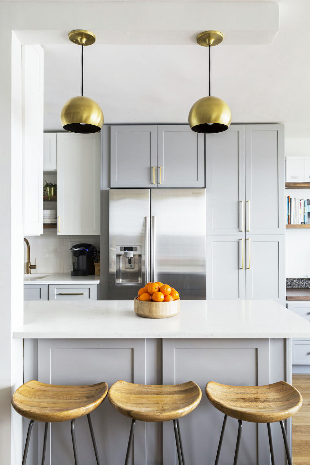 two-tones-contemporary-kitchens