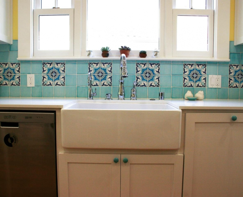 ceramic tile kitchen cottage farmhouse