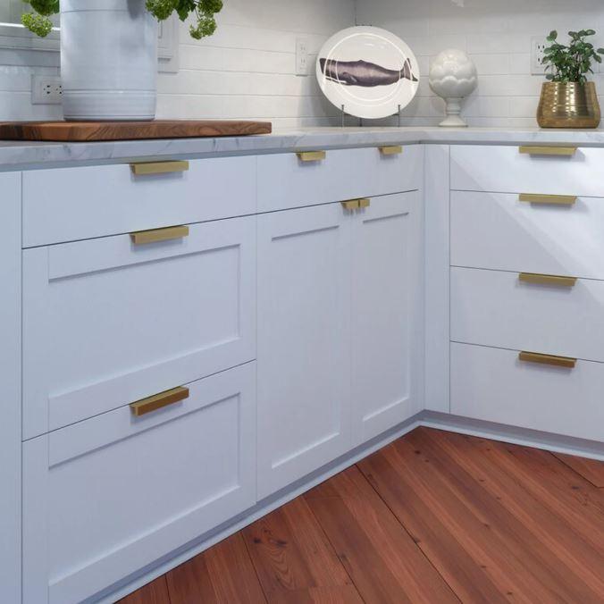 golden handle Contemporary Kitchen