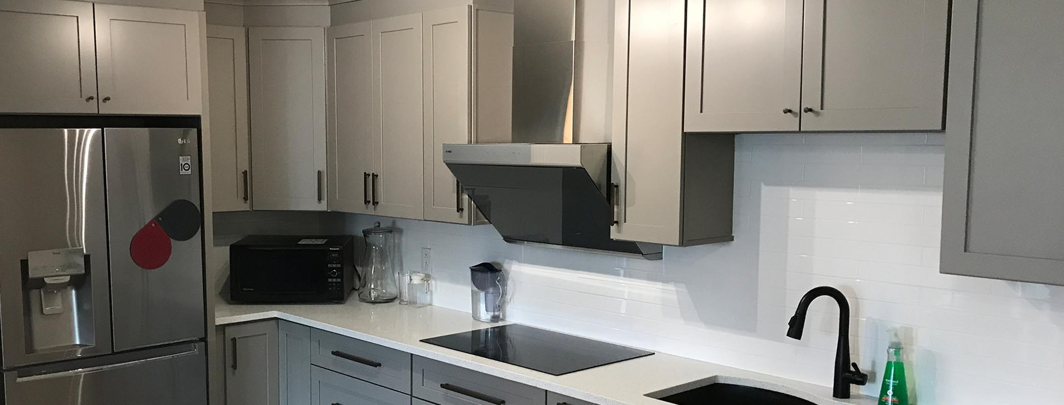 Transitional Light Grey Wood Kitchen Cabinet Montreal