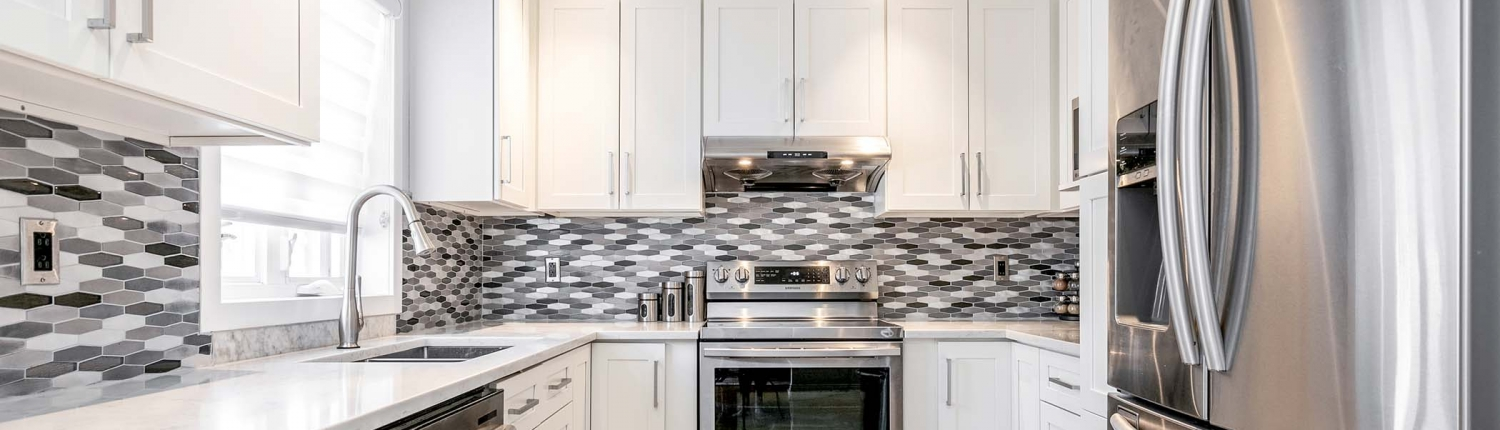 White Kitchen Cabinet Solidwood Montreal