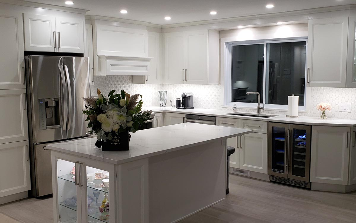 White Transitional Style Kitchen Cabinet sonoma gallery