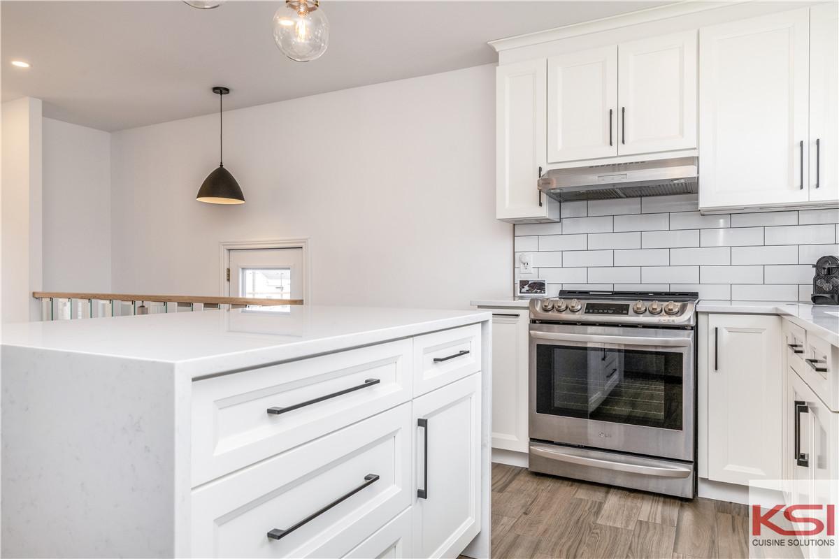 Why Choose Matte White Modern Kitchen Cabinets?